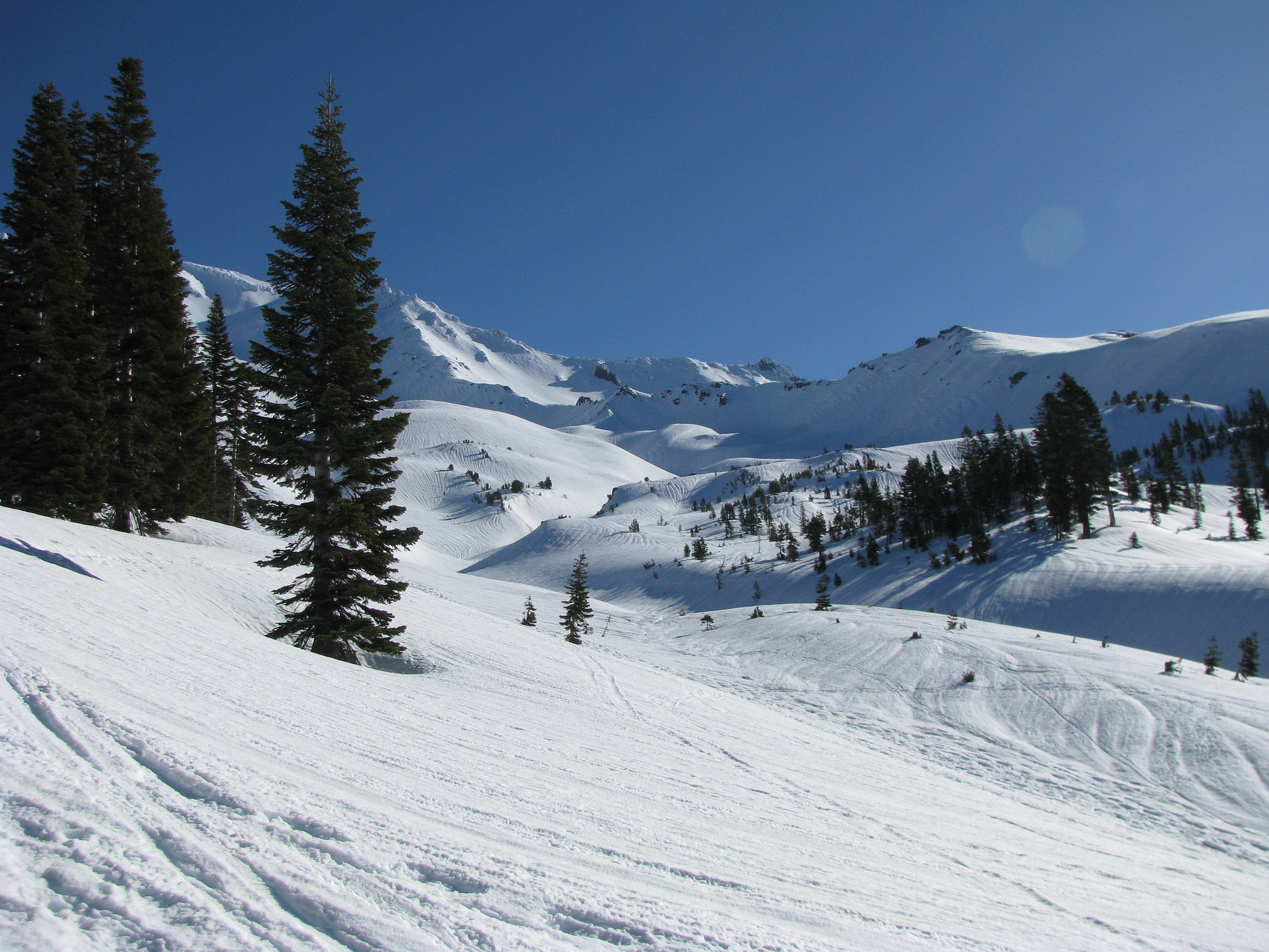 Mount Shasta is among the cheapest ski resorts in America ... photo by CC user 41205764@N08 on Flickr