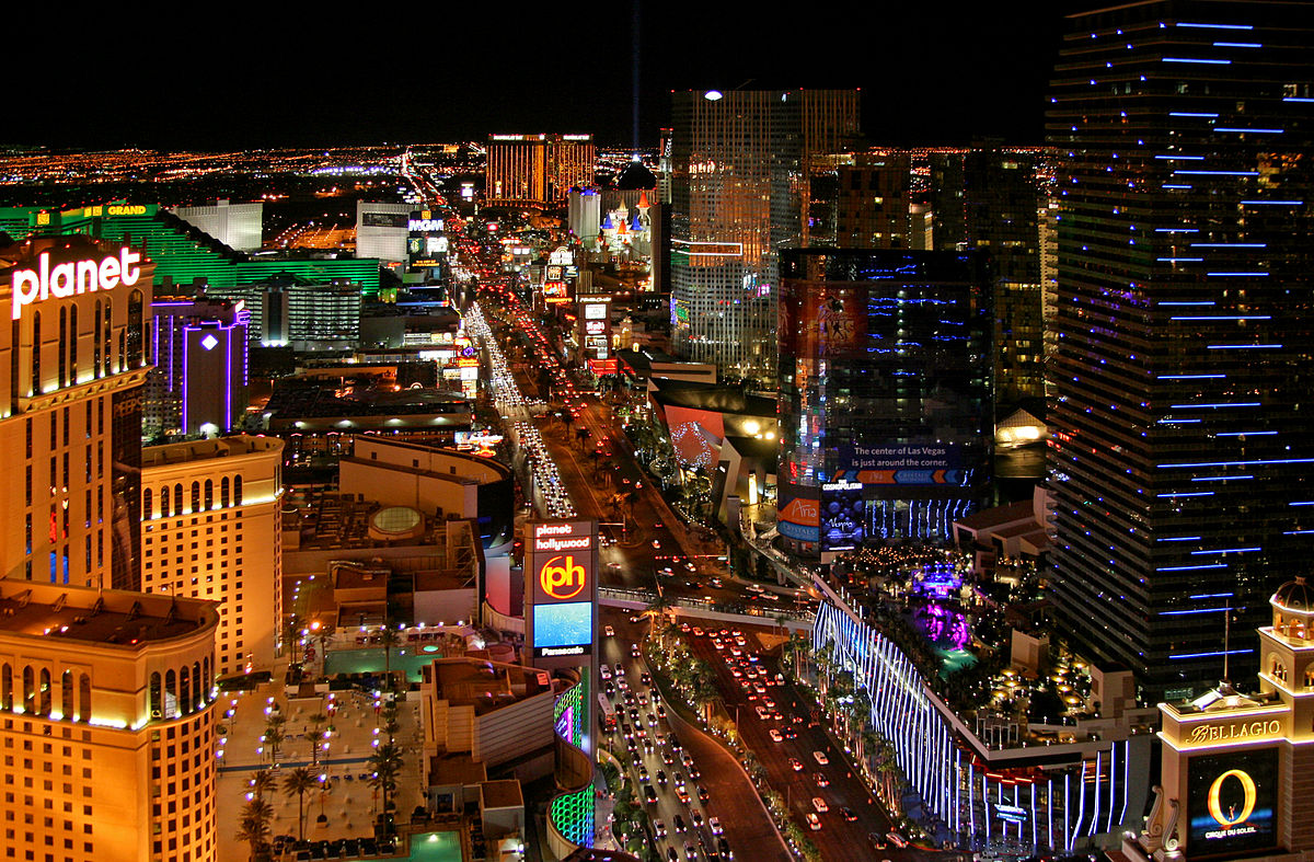 Wondering what to do on a weekend in Vegas? ... photo by CC user Clément Bardot on wikimedia